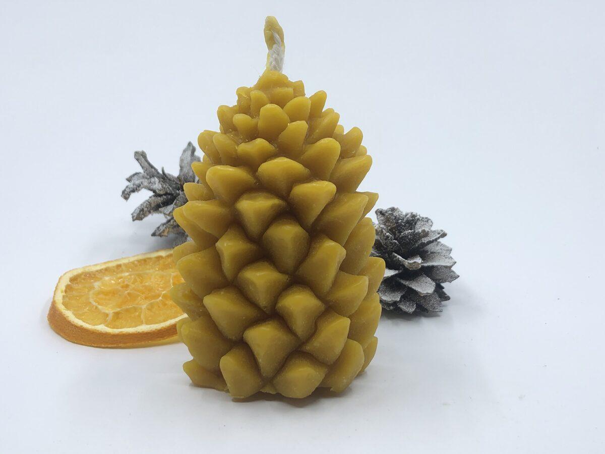 Bišu vaska lietā svece (2)