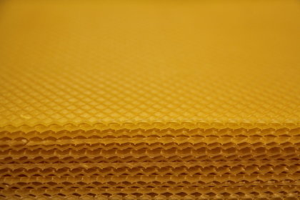 Beeswax comb foundation sheets (1 kg)